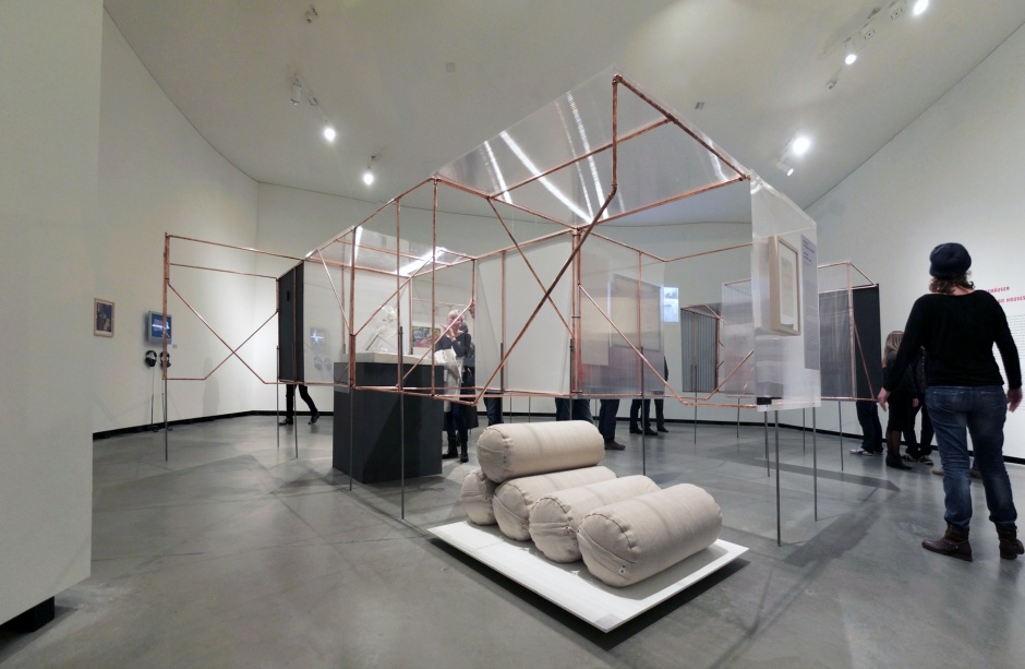 Blick in kleine Galerie - Inflatable Architecture