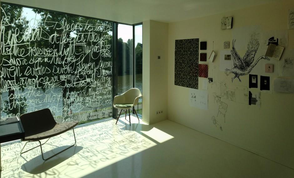 Text auf Glasfläche Collage Zeichnungen